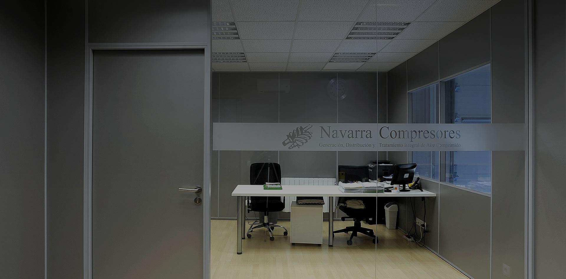 División de oficinas con paneles modulares y suelo técnico